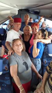 נהנים במרוקו באוטובוס